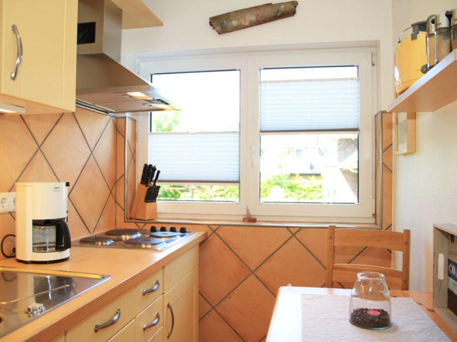 Die Küche mit einem Vierplattenherd