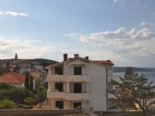 Holiday apartment Heni - very close to the beach