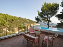Holiday apartment Aeternum 3 in the pool villa