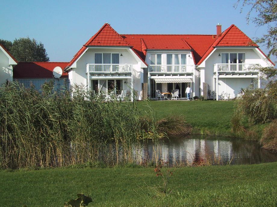 Haus und Gartenteich