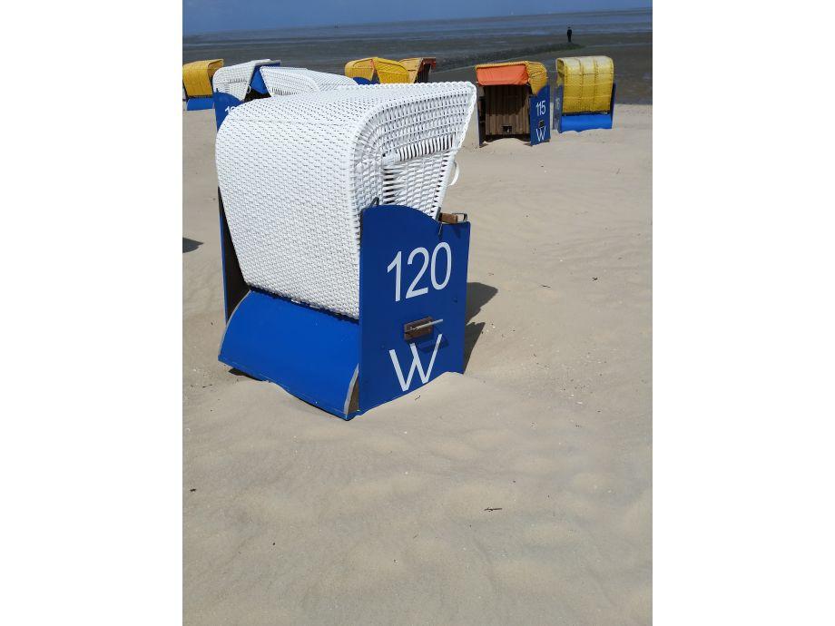 Ihr eigener Strandkorb am Strand von Döse