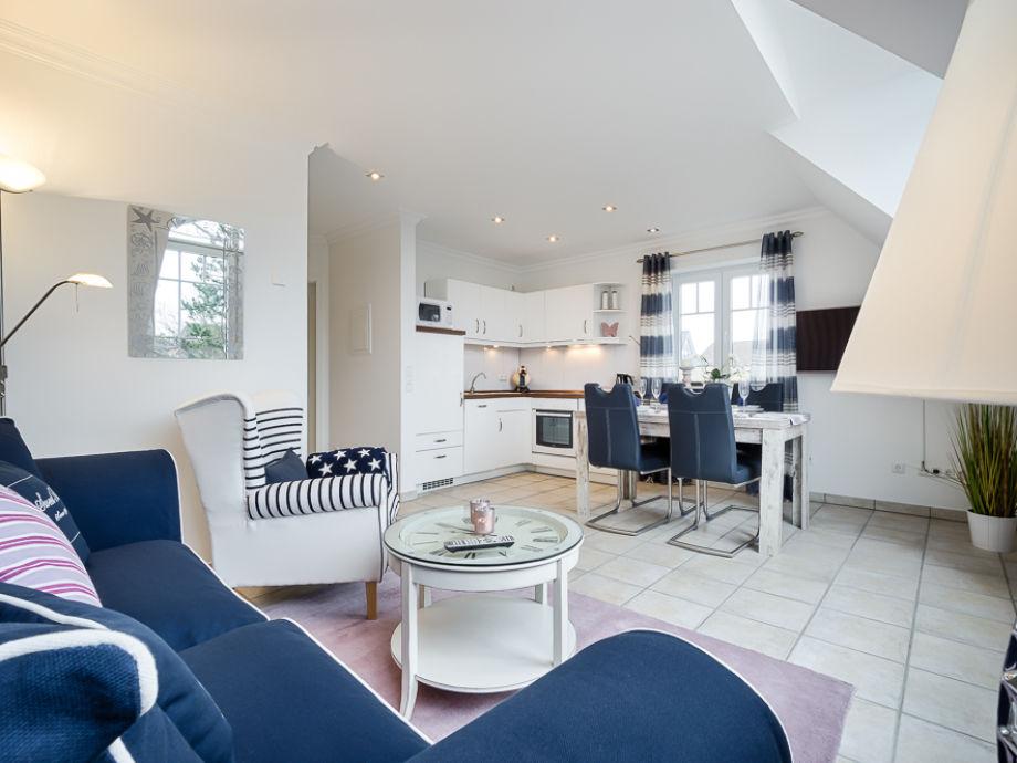 moderne 3 zi ferienwohnung maritim oase sylt westerland firma mrm gmbh ferienwohnungen. Black Bedroom Furniture Sets. Home Design Ideas