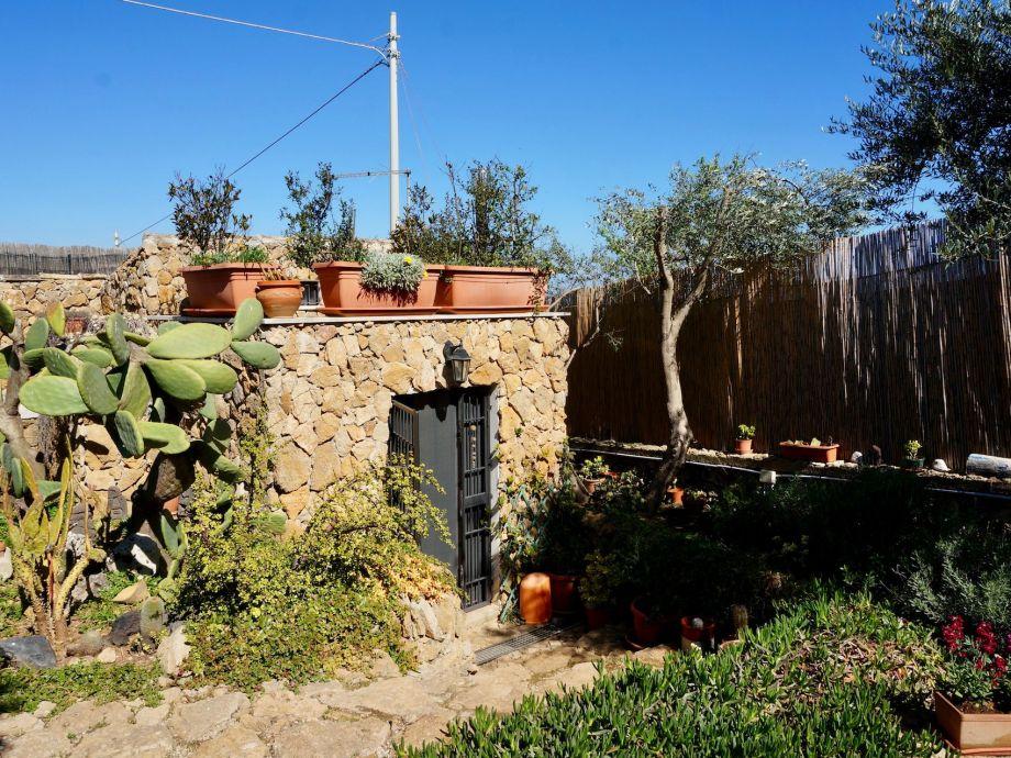 Eingang zur Casa Pietra
