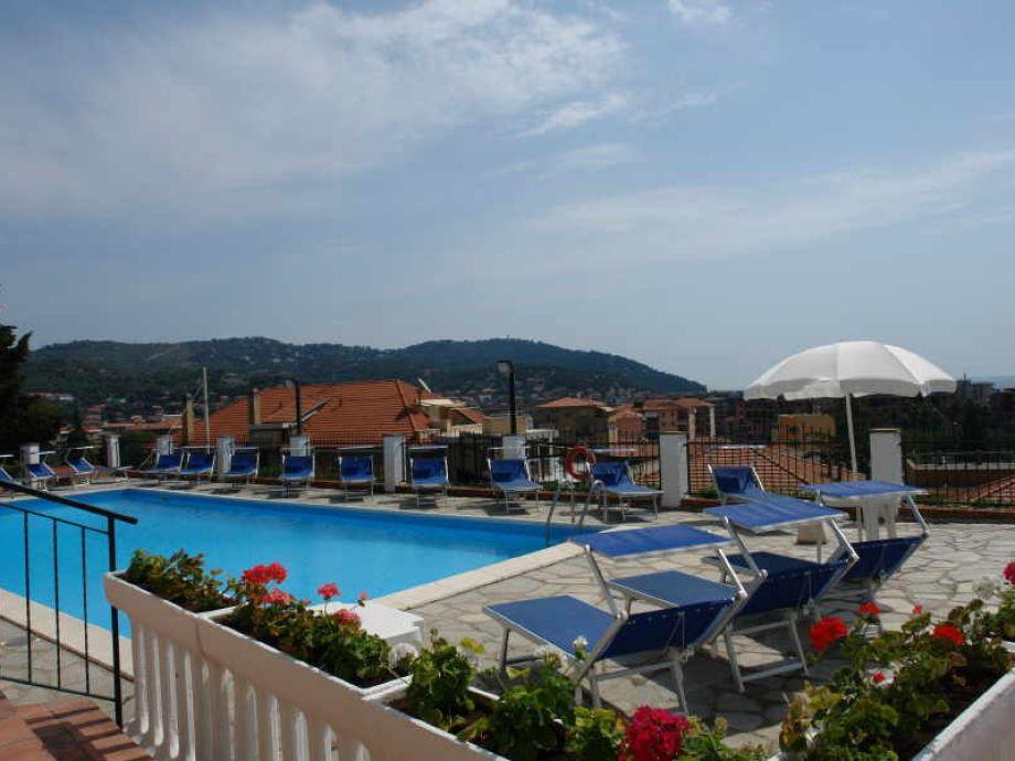 Außenaufnahme in der Villa Poggio d Andora No 24