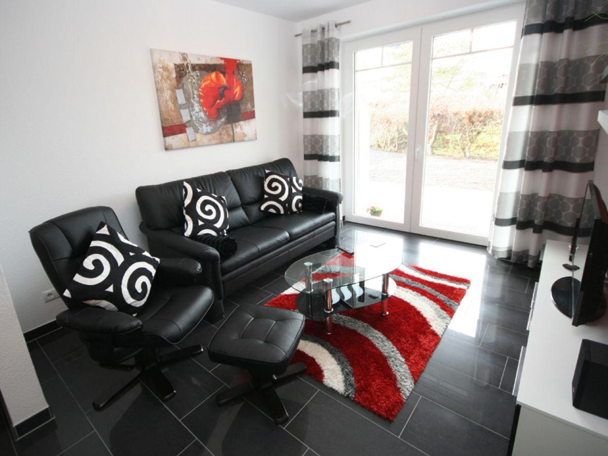aminas ferienwohnung 2 blankwasserweg 57 l becker bucht. Black Bedroom Furniture Sets. Home Design Ideas
