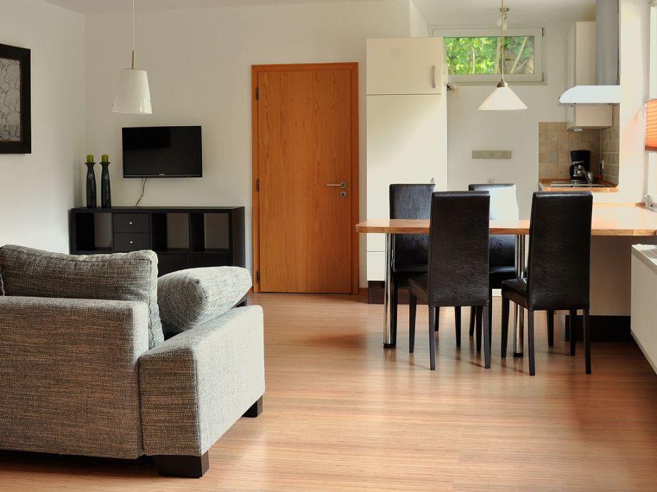 großzügige Wohnküche mit hochwertiger Ausstattung