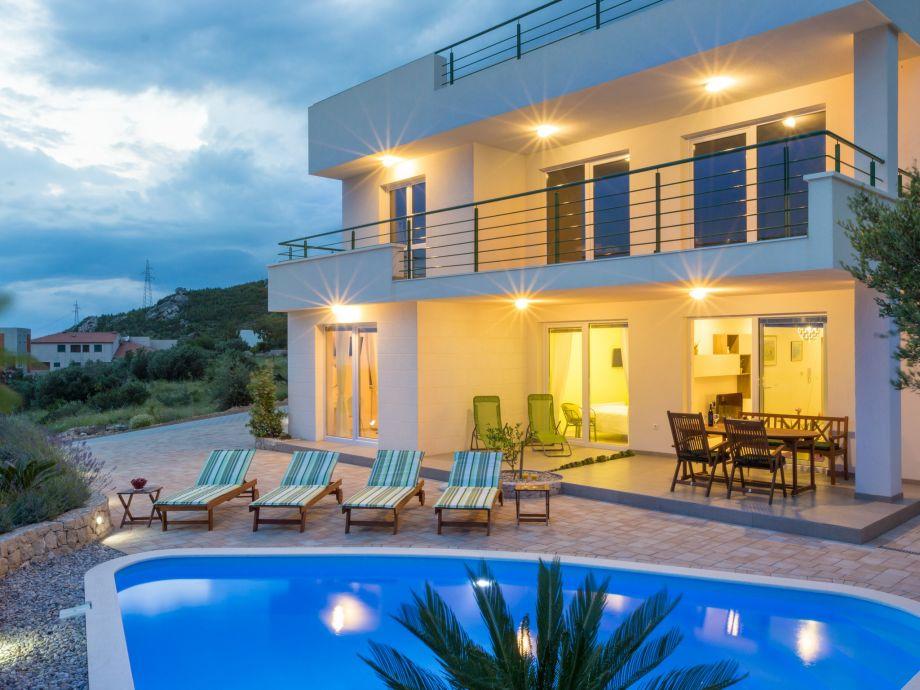 Ferienhaus Sandra in Makarska mit Pool