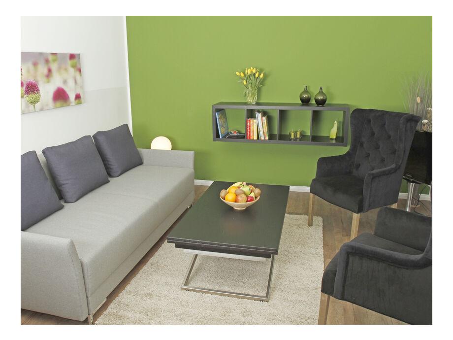 Viel Platz auf der Wohlfühlcouch mit Zugang vom Wohnzim