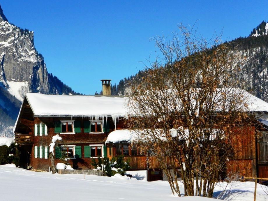 Ferienhaus Arnika im Winter