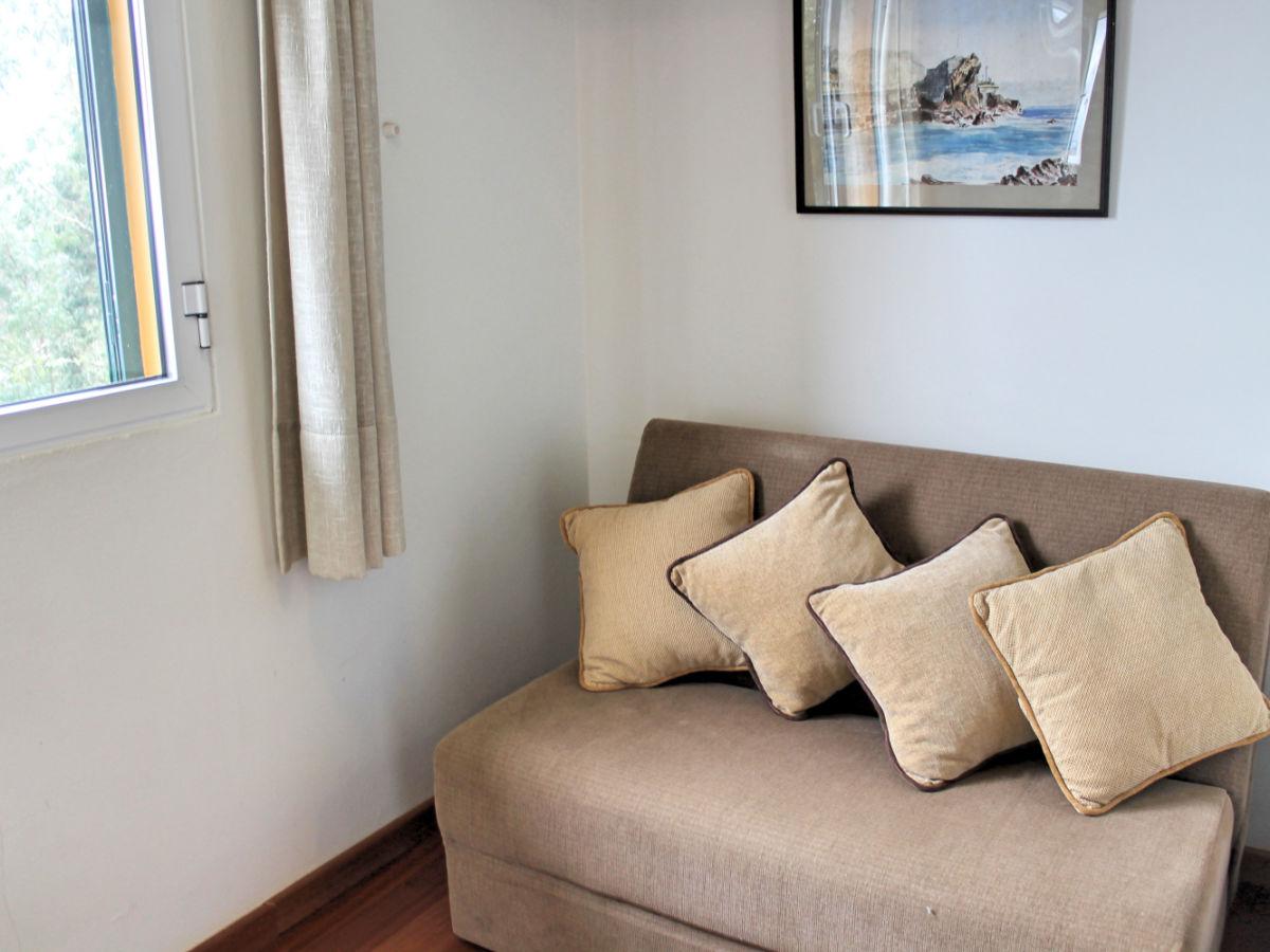 landhaus haybarn cottage estreito de c mara de lobos. Black Bedroom Furniture Sets. Home Design Ideas
