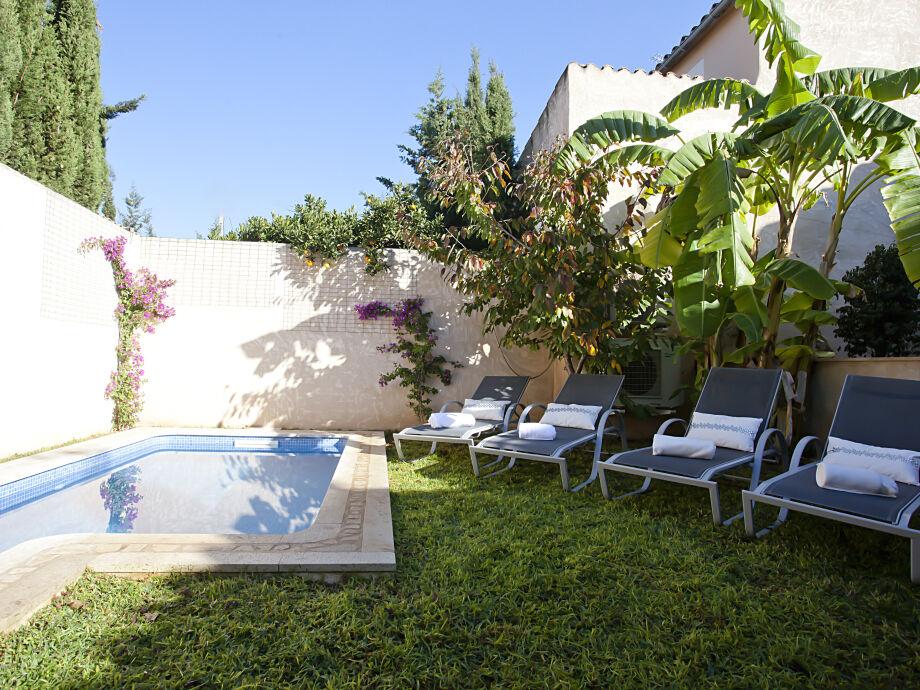 Typisch mediterran mit Pool ( 3 x 2m)