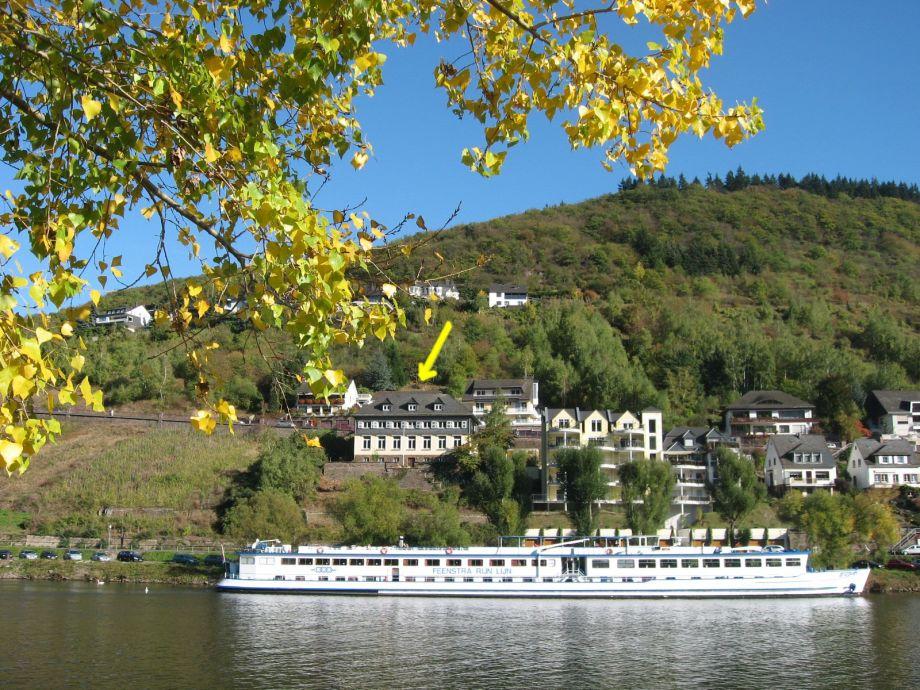 Alte Weinbauschule vom gegenüberliegenden Ufer