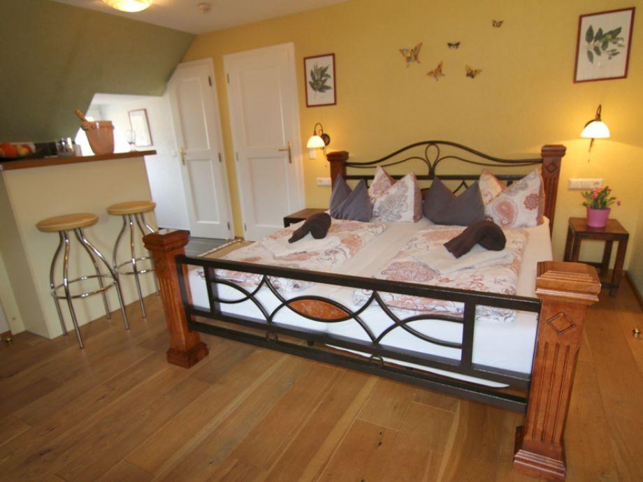 ferienwohnung alte weinbauschule cochem studio elbling. Black Bedroom Furniture Sets. Home Design Ideas