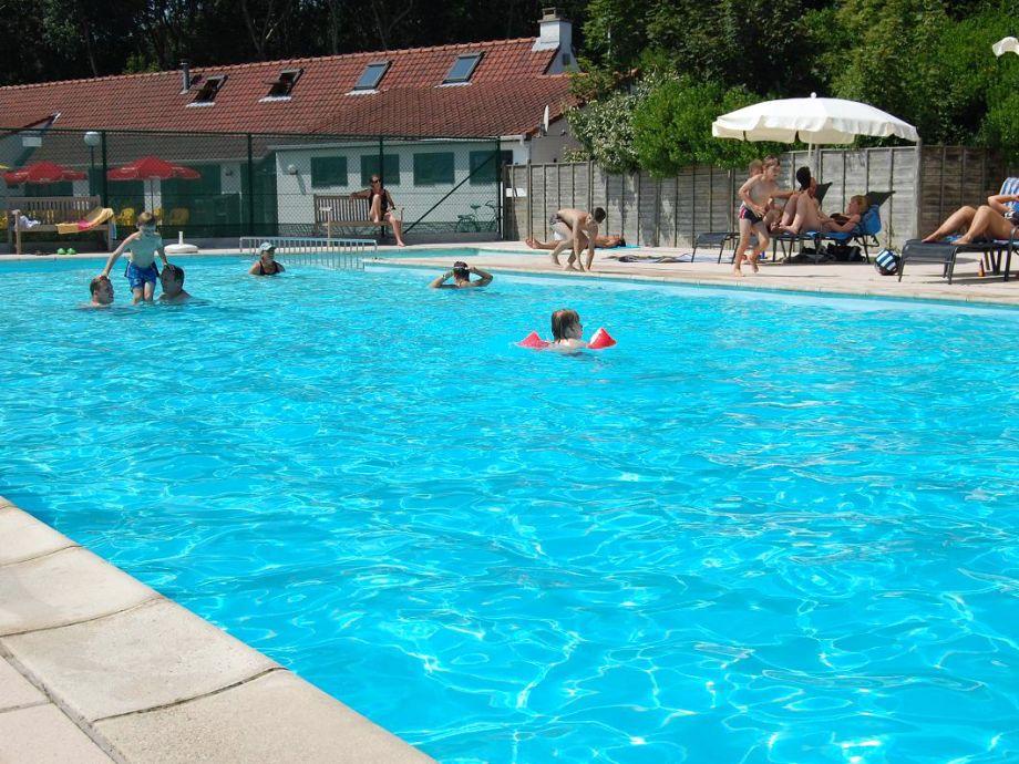 Das Schwimmbad Der Anlage