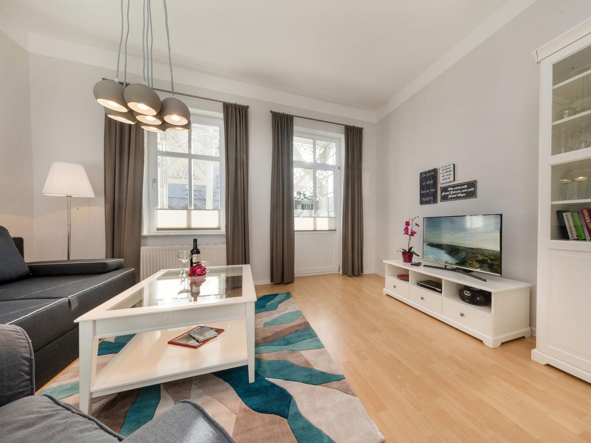 ferienwohnung 3 in der villa iduna binz r gen firma appartement vermittlung ott frau edda. Black Bedroom Furniture Sets. Home Design Ideas