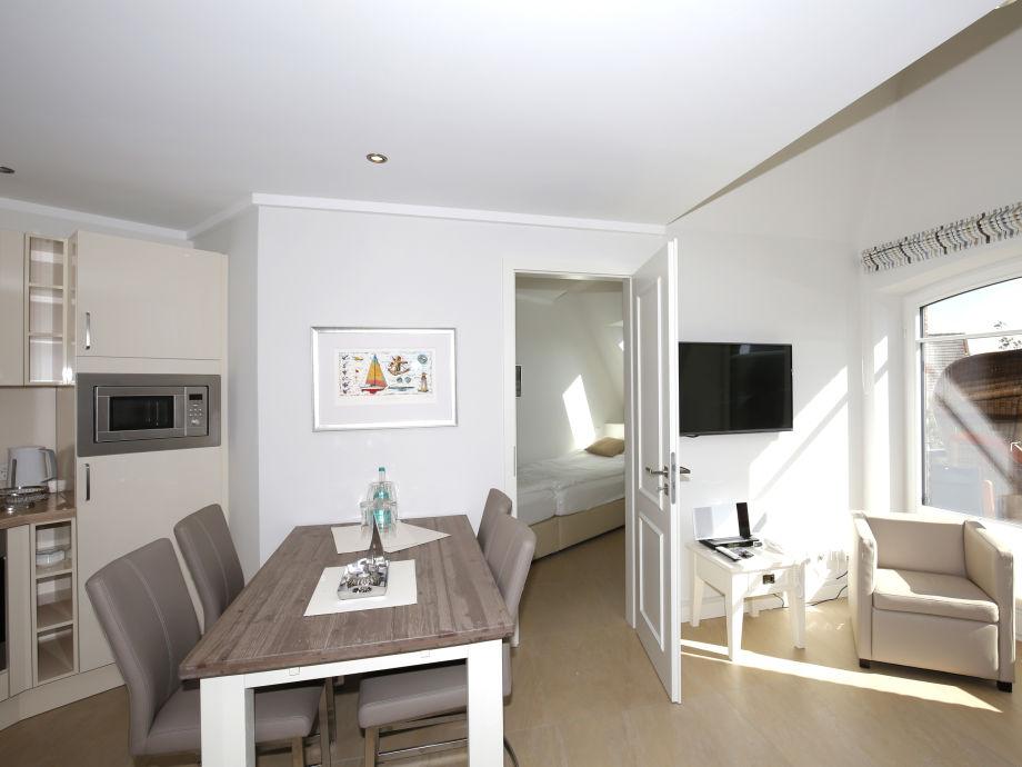 Ferienwohnung Mayflower, Sylt - Firma Apartmentvermittlung Wiking - Frau Dominique Arnold