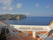 Sea View Holiday Apartment ID 898
