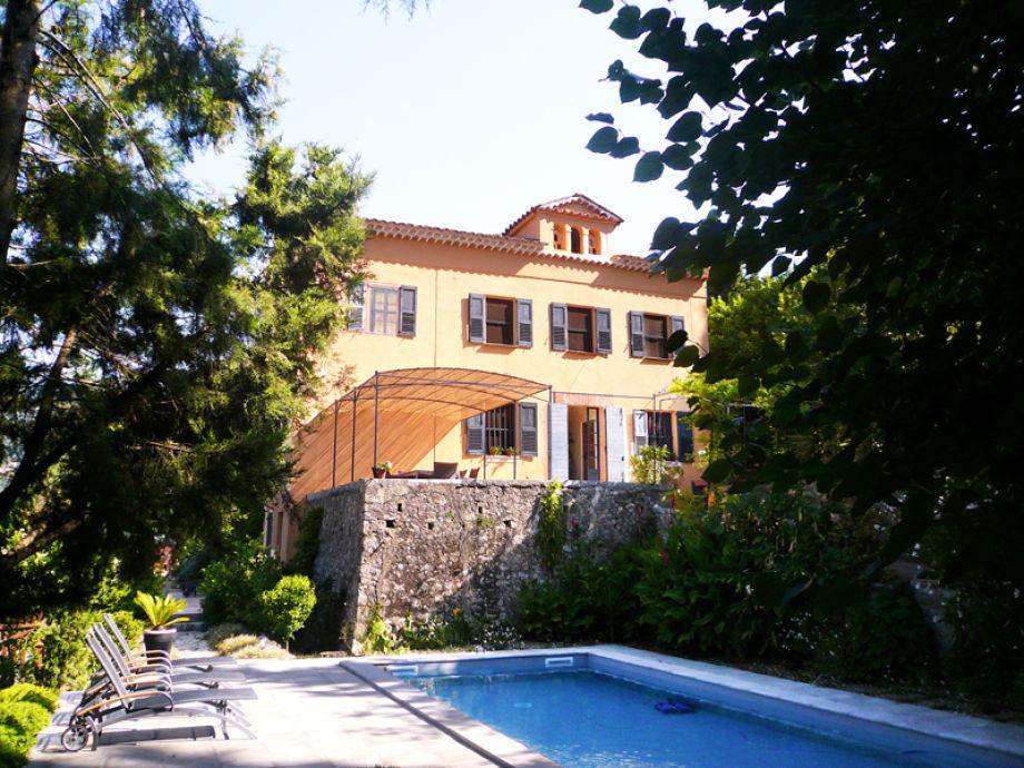 Prachtvolle Villa mit Pool an der Côte d'Azur