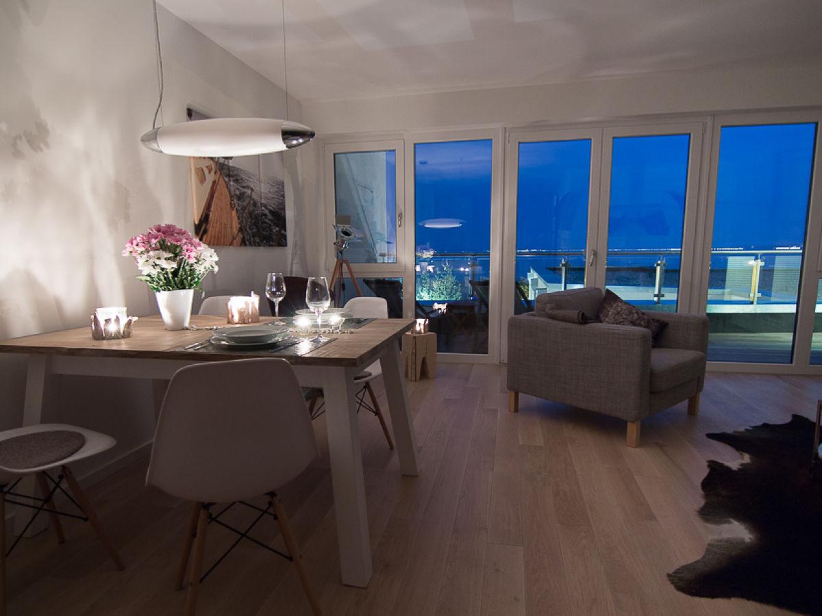 Lieblich Modernes Wohnzimmer Am Abend ~ Kreative Deko Ideen Und Innenarchitektur