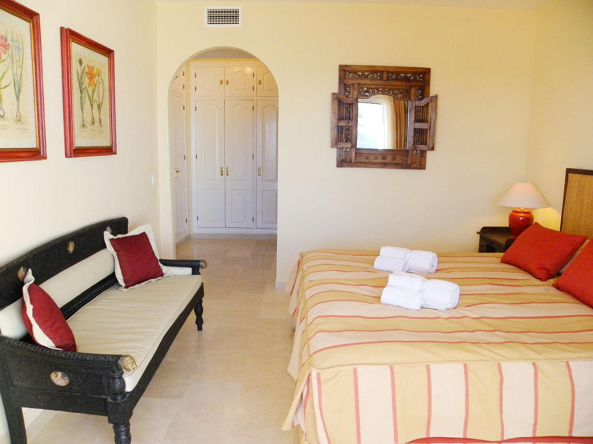 ferienwohnung bermuda beach 1 westliche costa del sol estepona firma. Black Bedroom Furniture Sets. Home Design Ideas