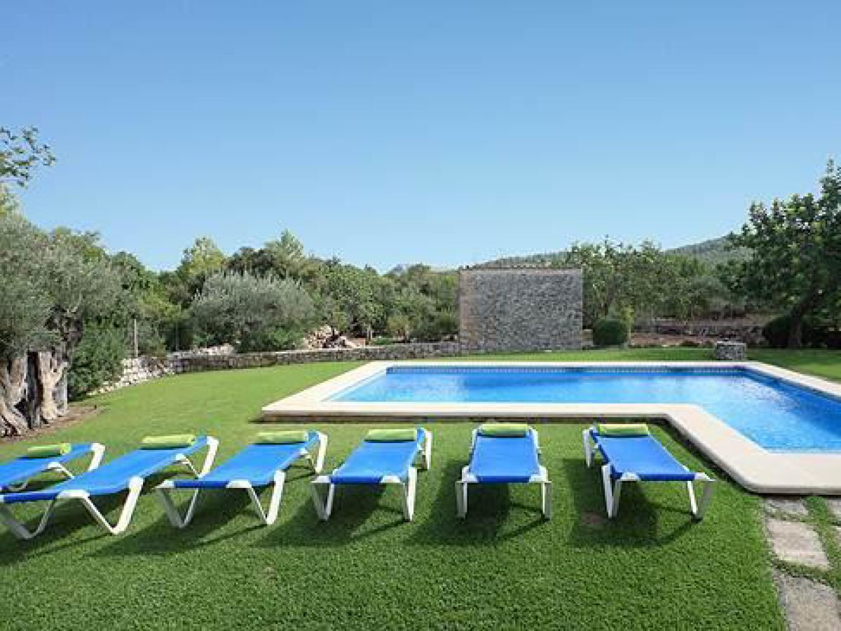 Ferienhaus tapoli mallorca pollenca firma villapartner for Garten pool 4m