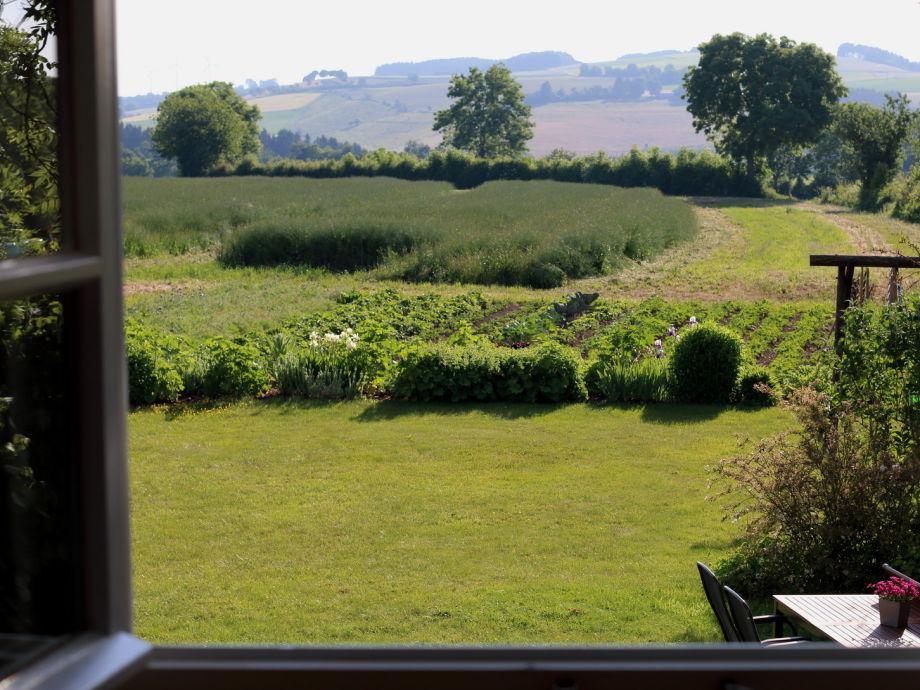Gartenblick Frühstückstisch