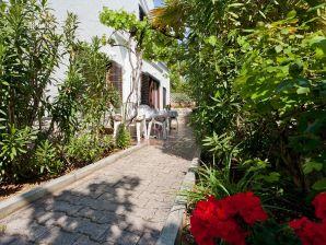 Ferienwohnung in Villa Cadum