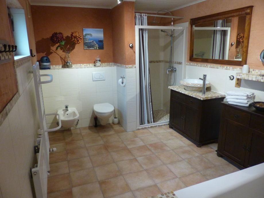12 Qm Großes Mediteranes Badezimmer