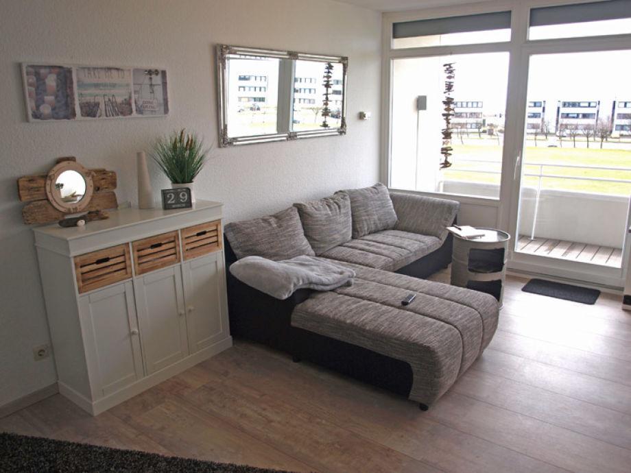 Wohnzimmer mit bequemer Eckcouch