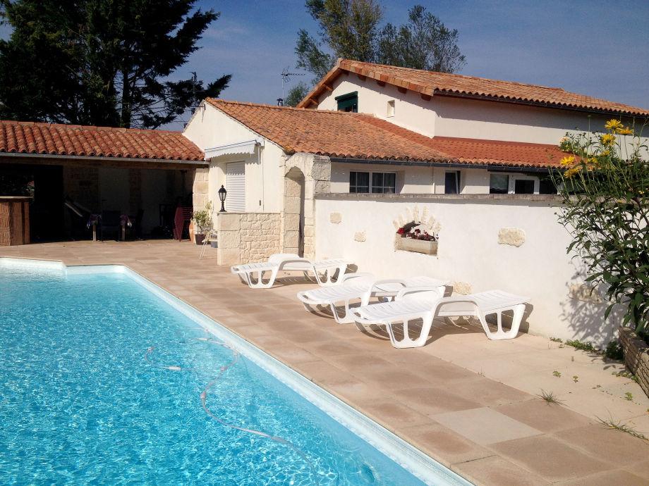 Haus 42 Pool und Terrasse 2