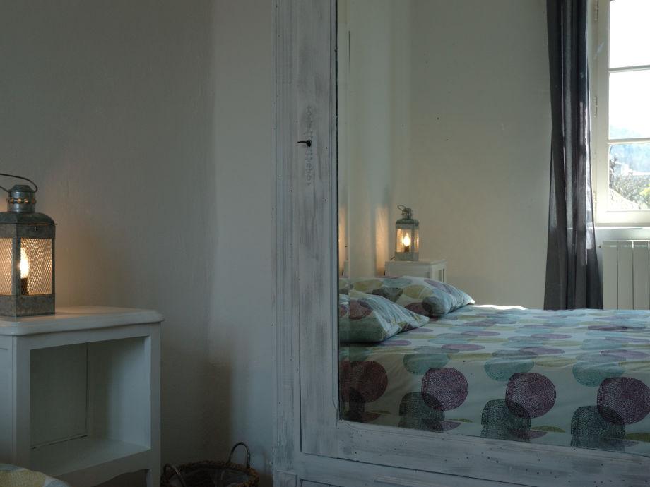 Schlafzimmer Le ferienwohnung le rossignol provence firma la fontaine de