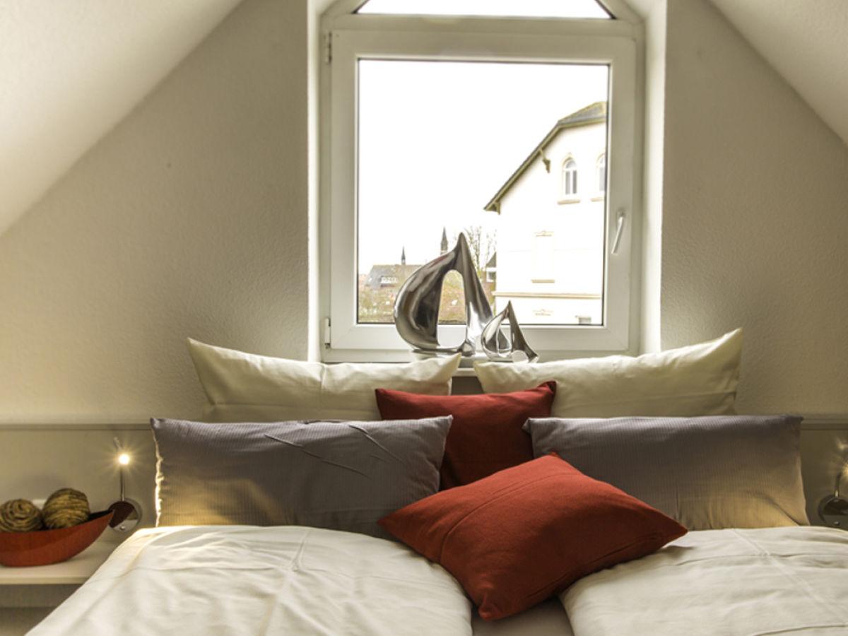 Ferienhaus strandd ne nordseeheilbad borkum firma for Schlafzimmer dachgeschoss