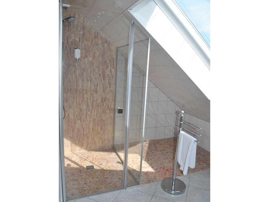 dachgeschoss ferienwohnung nordrhein westfalen w rselen frau angelika lamberts. Black Bedroom Furniture Sets. Home Design Ideas