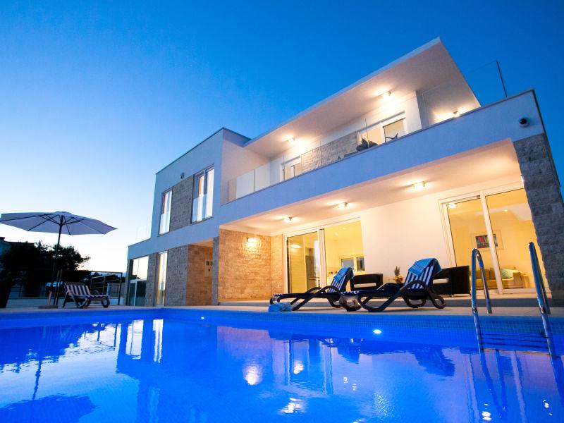 Villa Crystal Blue