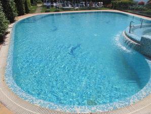 Ferienwohnung Residenz Rosmari 2-Zimmer-Whg am Pool mit Terrasse