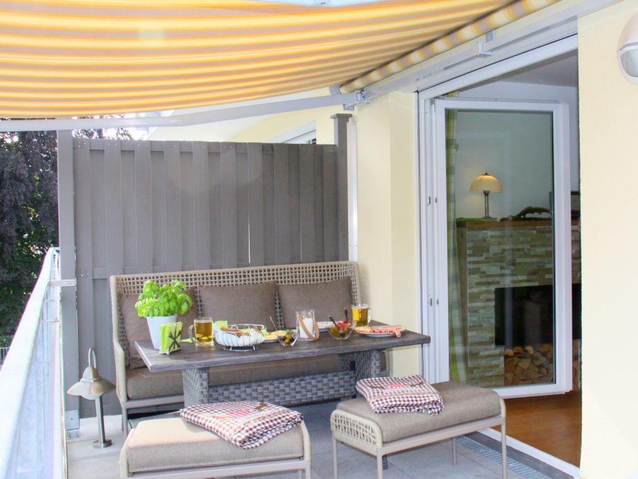Ana39s ferienwohnung konigsschlosser fussen firma ana for Markise balkon mit tapeten von hammer