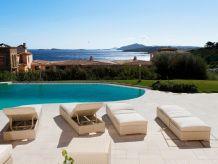 Villa Sea Small