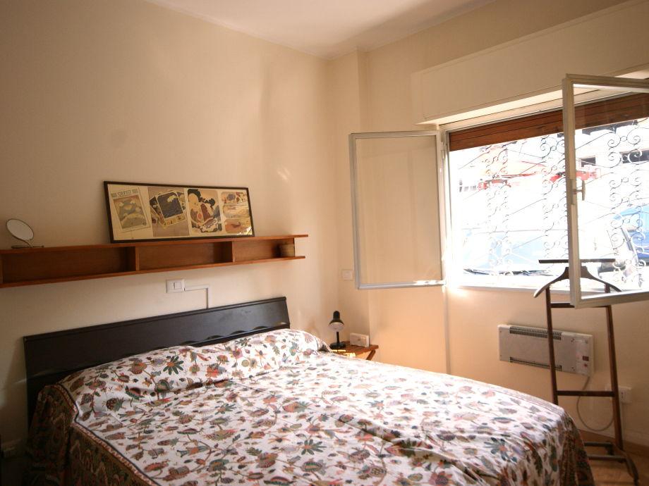 Ferienhaus la darsena ranco italien lago maggiore ranco firma la tua casa srl katia und gioia - Gemutliche schlafzimmer ...