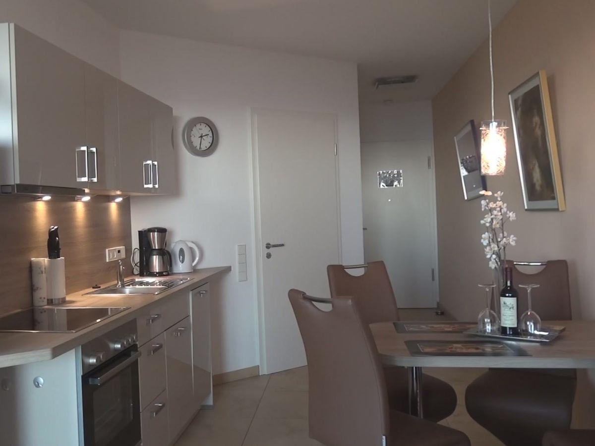 ferienwohnung am neuen hafen bremerhaven firma polzin. Black Bedroom Furniture Sets. Home Design Ideas