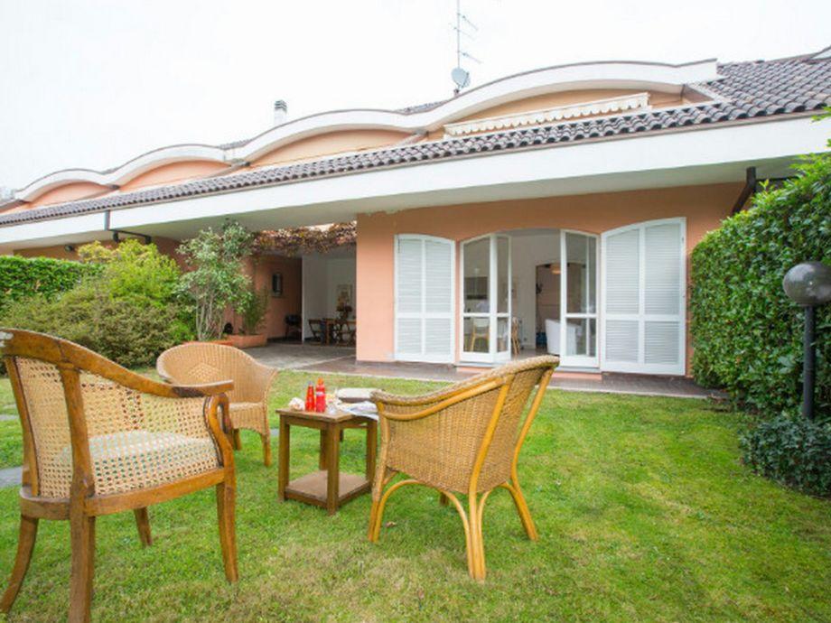 Ferienhaus casa azalea lago maggiore ispra firma happy for Lago maggiore casa