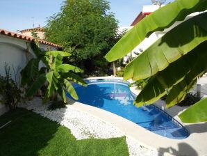 Ferienwohnung mit Pool Paradies 1