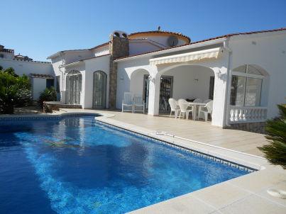 Ferienhaus mit Pool Paradies 24