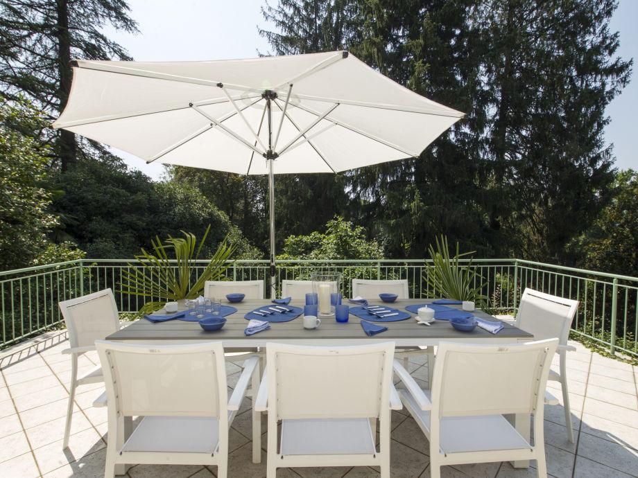 villa teresa lago maggiore italien laveno mombello. Black Bedroom Furniture Sets. Home Design Ideas