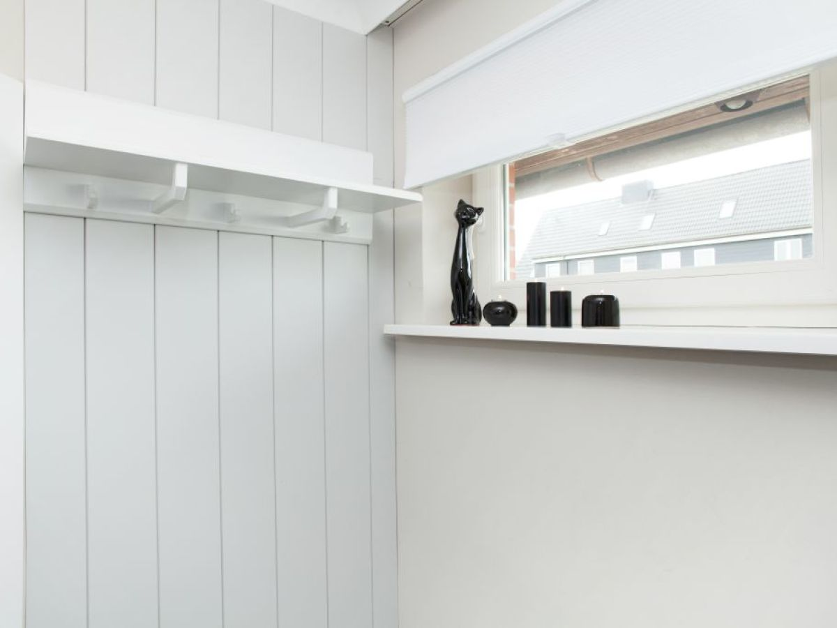 apartment 2 lister eck list firma appartementvermittlung familie clausen frau cornelia clausen. Black Bedroom Furniture Sets. Home Design Ideas