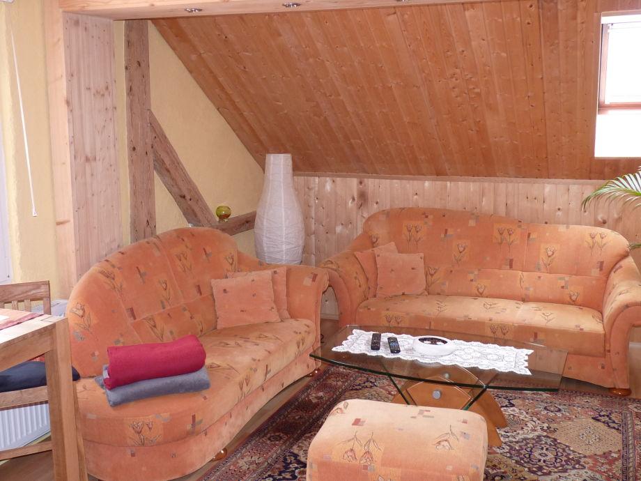 Das gemütlich eingerichtete Wohnzimmer