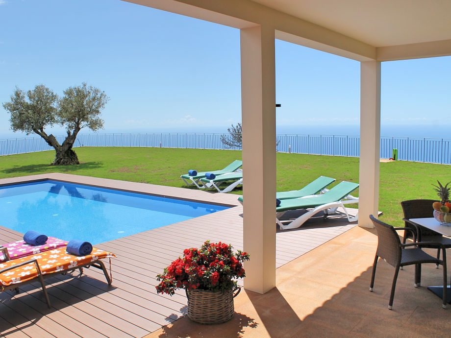 Terrace, pool & view