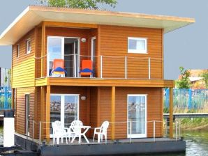 FLOATING HOUSE Barth - schwimmendes Ferienhaus
