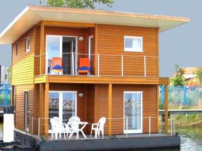 FLOATING HOUSE Barth - schwimmendes Ferienhaus