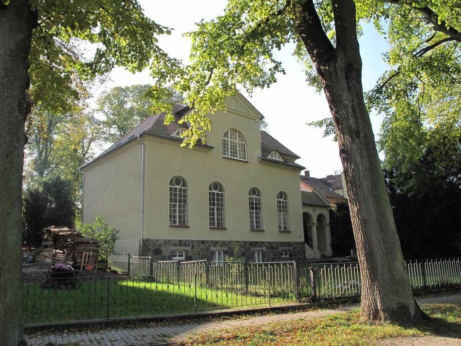 Die Haukohl-Villa von der Elde aus gesehen