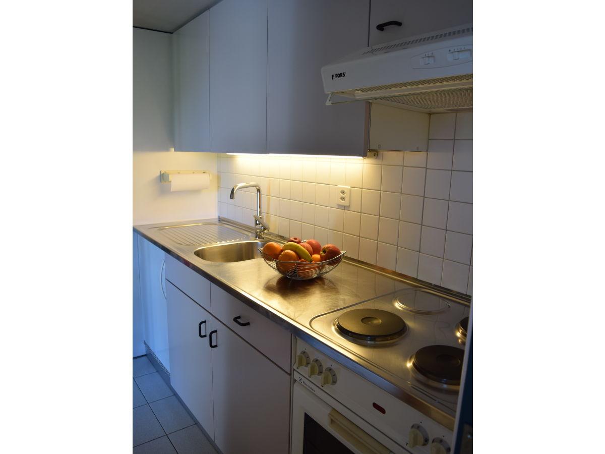 ferienwohnung marconi lago maggiore frau doris marconi. Black Bedroom Furniture Sets. Home Design Ideas
